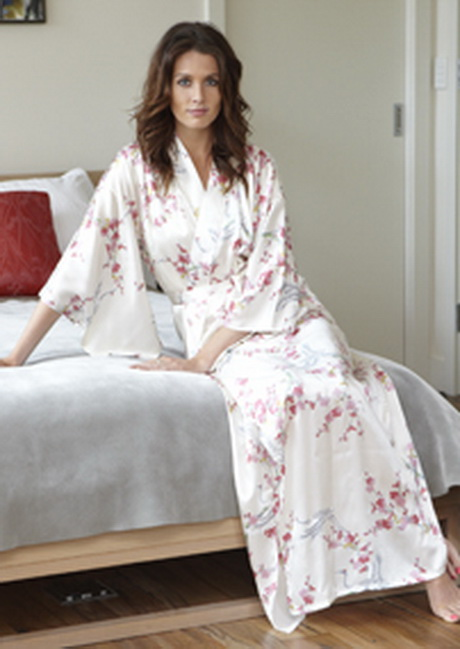 Long dressing gown