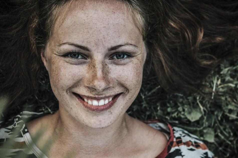happy woman Natalia Schweizer Blog