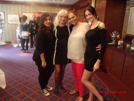 Beauty Pressday 2014. Geschäftsführerin Fr. Sugar Sükriya Mert und Prof. Dr. h.c. Natalia Eitelbach(in der mitte)