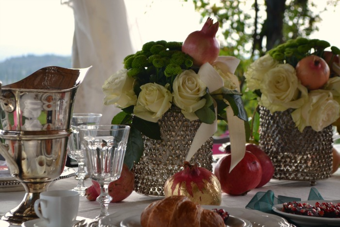 Pomegranates make amazing decor items for a stylish destination wedding in Tuscany, thanks to its versatility