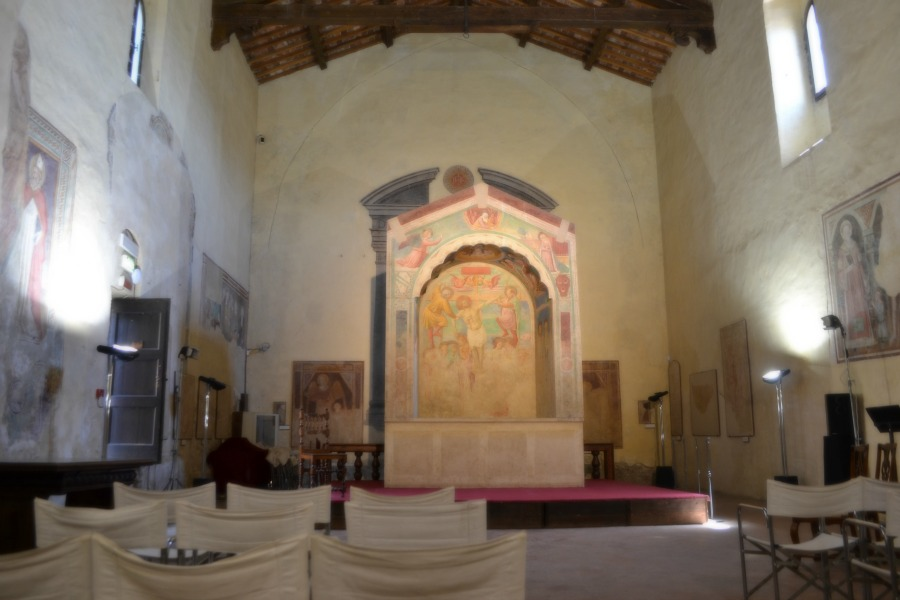 the Church houses the most important work,The Tabernacle of the Executed(c. 1464/65), a fresco by Benozzo Gozzoli