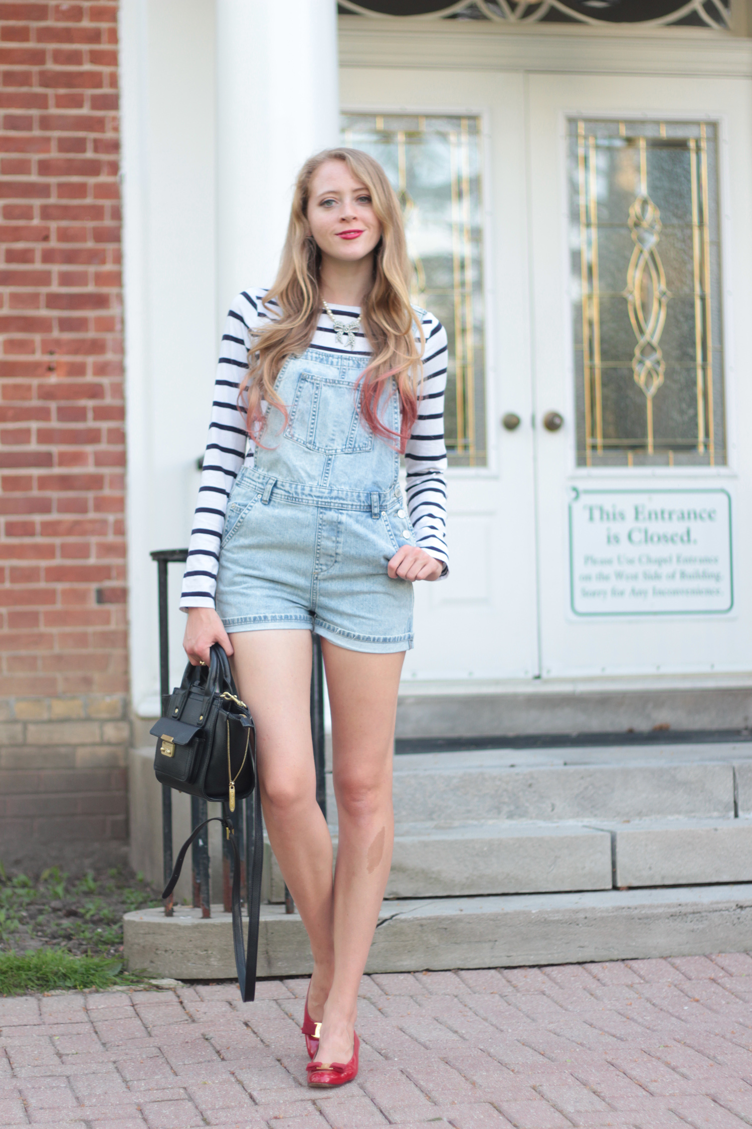 How to wear denim short overalls two ways