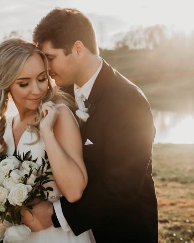 Jenna + Josh- a timeless spring wedding