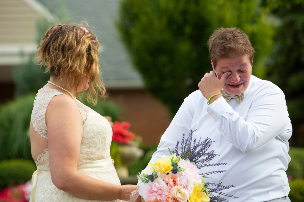 Novi wedding first look