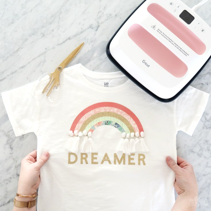 How I Went from New Mom to Full Time Blogger & a Dreamer Rainbow T-Shirt DIY!