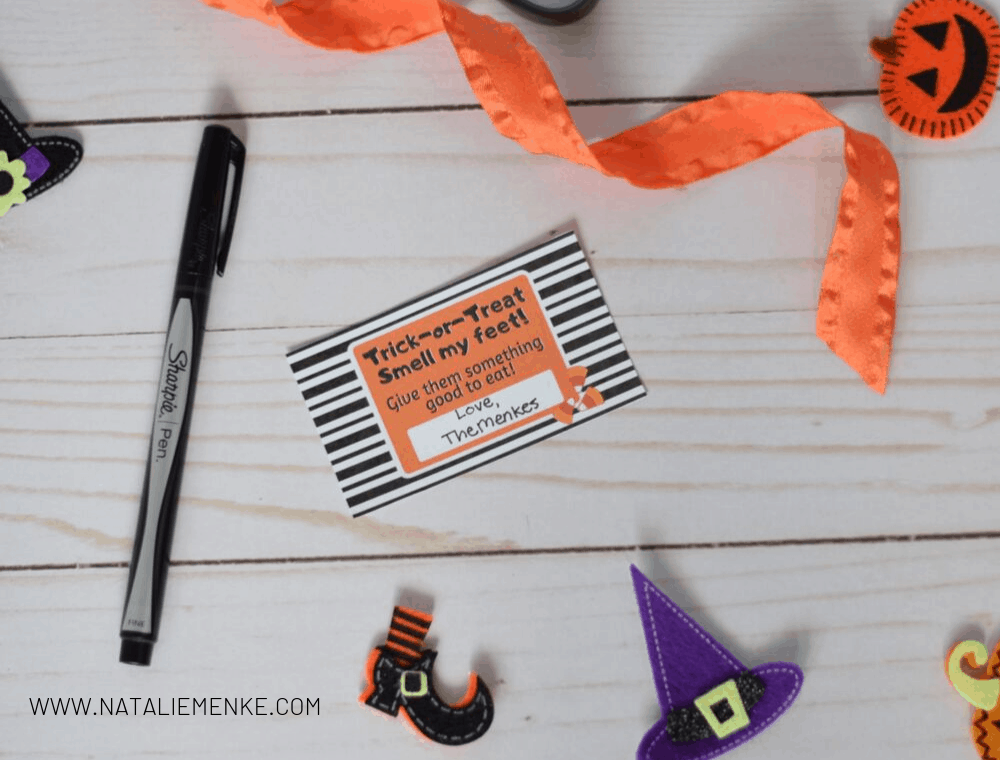 """Free """"Trick-or-Treat, Smell my feet"""" Halloween tag download from www.nataliemenke.com"""
