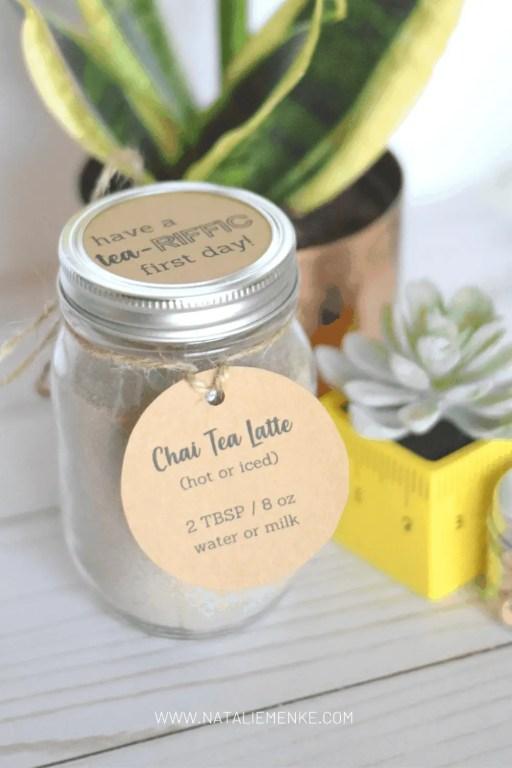 chai tea latte mason jar gift with gift tag and 'tea-riffic' lid cover