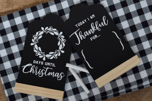 Easy Holiday Gift: Holiday Chalkboard Sign Tutorial & Gift Roundup