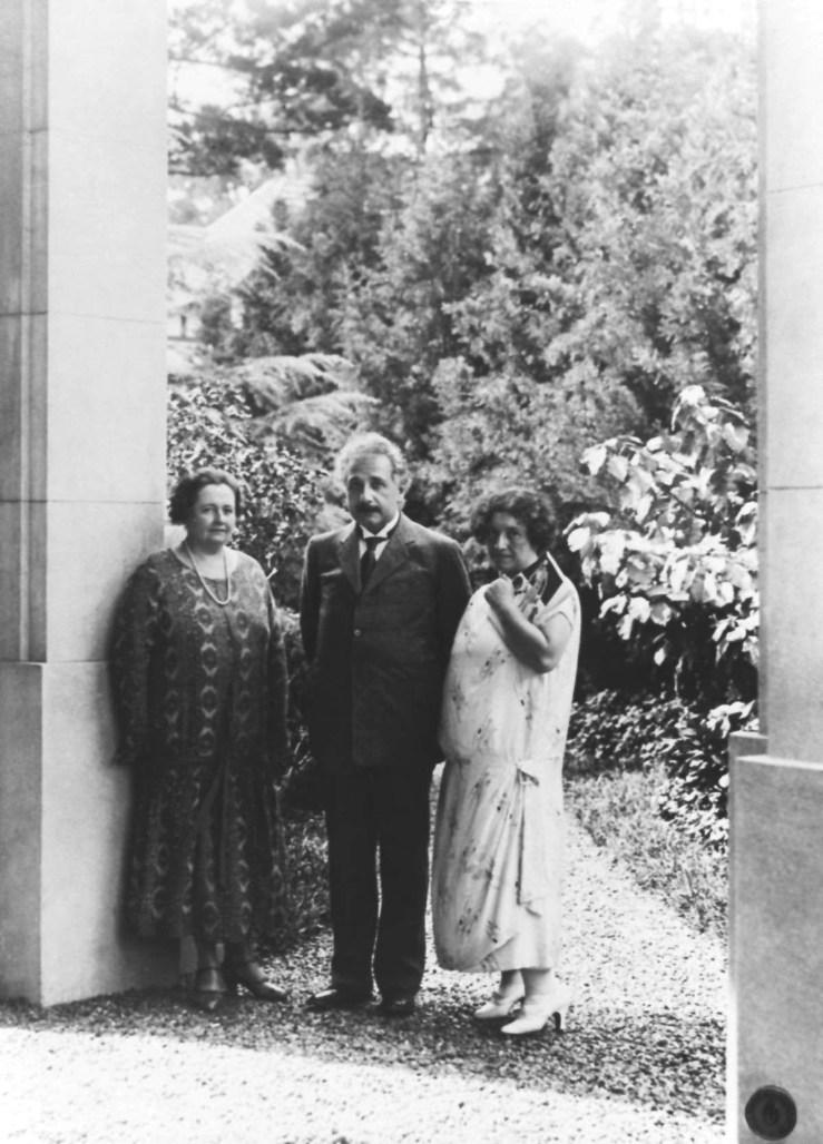 1925-04-16-Einstein con Else Jerusalem