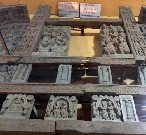 peshwarmuseum-buddhistdoorway