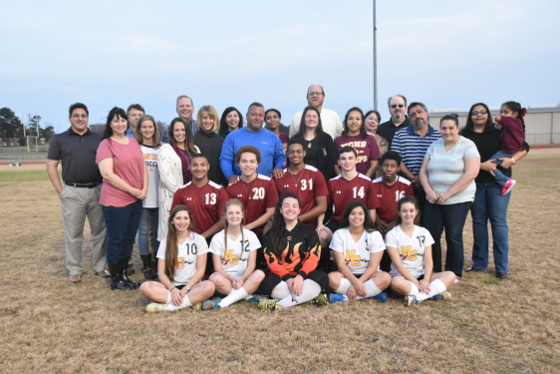 1-2017-nchs-soccer-seniors-with-parents