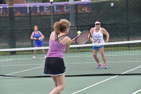 NSU-tennis-005