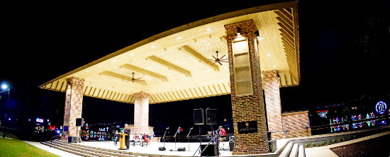 Riverbank Dedication_Stage