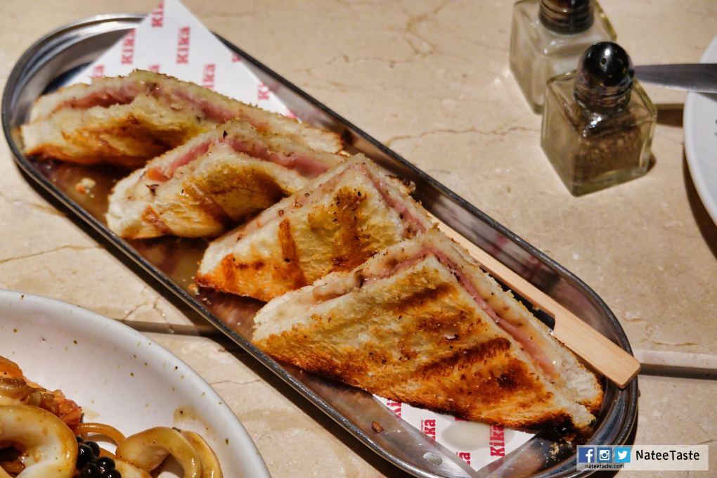 Bikini Sandwich (210 บาท) แซนวิสไส้พาม่าแฮมทาด้วยเบชาเมลซอส