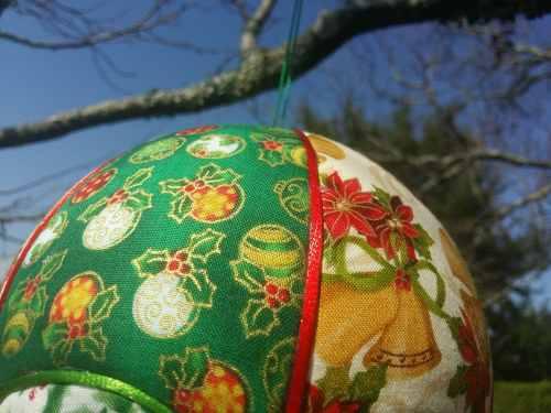 Montgolfière de décoration. thème de Noël. Bayonne (64)