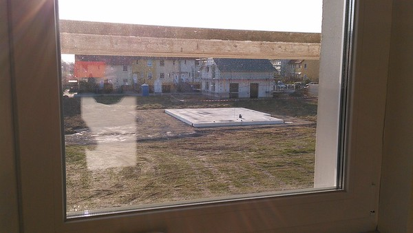 Blick vom Doppelhaus auf unsere Bodenplatte.
