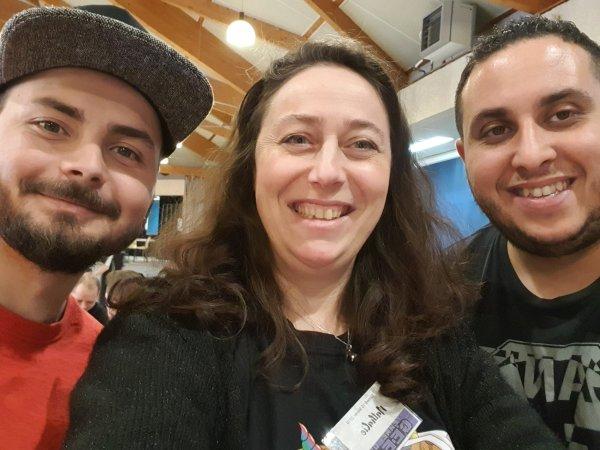 Nathalie Bagadey avec les organisateurs, Julien et Mehdi