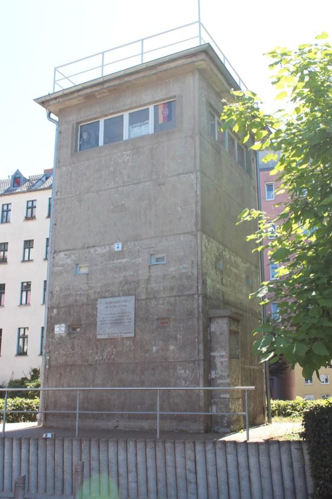 Un mirador le long de la route du mur