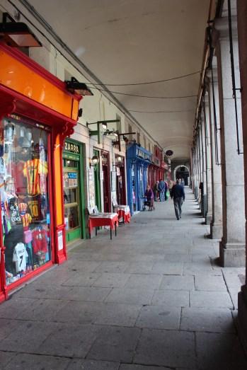 petites boutiques sur la Plaza Mayor