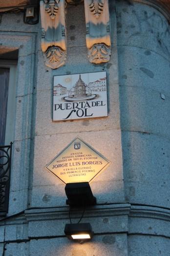 Puerta del Sol, une autre belle place de Madrid