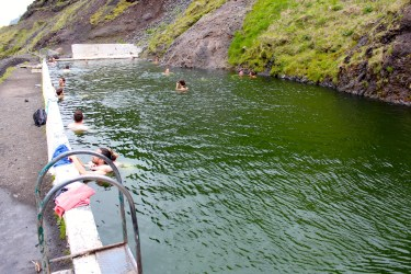 La piscine dans la nature de Sejlavallalaug