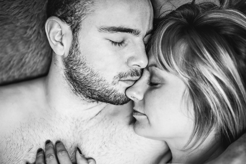 Nathalie Roux Photographe Couple Photo Plumes Lyon Love Session