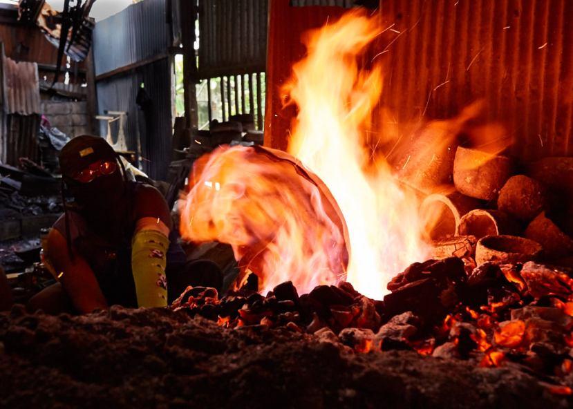Artisan Making Bronzeware at Ban Bu Bangkok Thailand 02