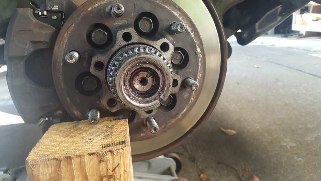 Swapping 1st Generation Isuzu Trooper Auto Locking Hubs