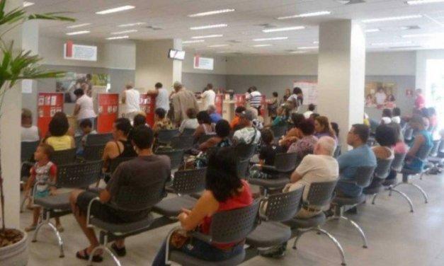 Procon Carioca multa nove agências bancárias por tempo de espera na fila