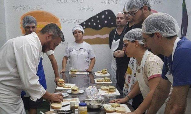Colégio na Praça da Bandeira realiza oficinas para alunos com deficiência intelectual