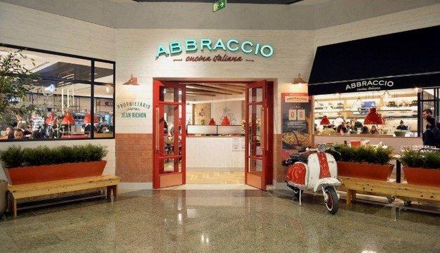 Restaurante Abbraccio abre 100 vagas de emprego no Shopping Tijuca,