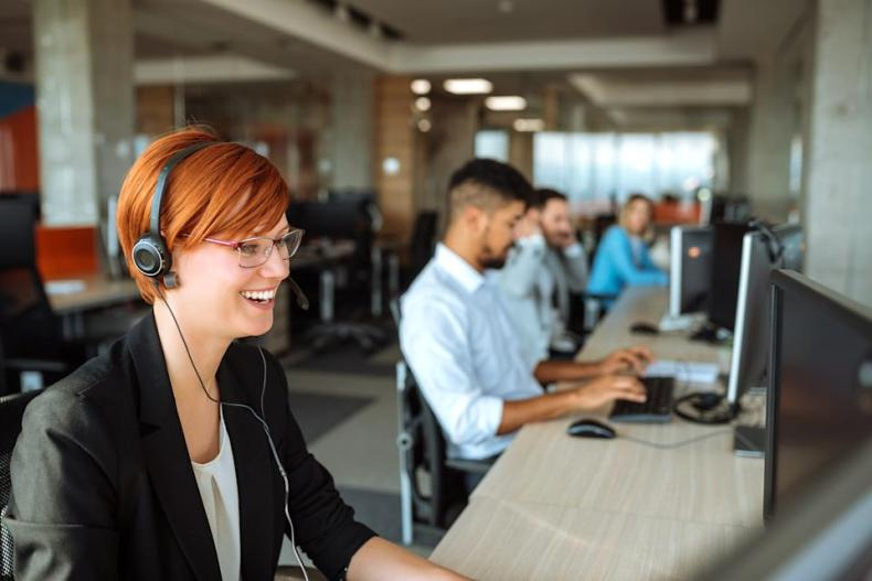 Real tech support never reaches out to you unsolicited. (Photo: Getty)
