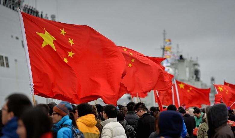 Trois navires de guerre chinois arrivant à Portsmouth, Royaume-Uni. Images Flickr / Défense, © Crown copyright 2013