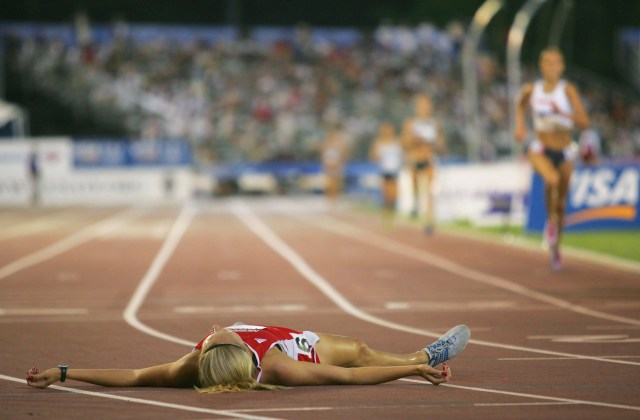 Ann after winning the women's 3000 Meter Steeplechase Final at the U.S. Olympic Trials in 2004. (Photo courtesy of Jamie Squire/Getty Images)