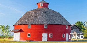 Round Barns of the Midwest