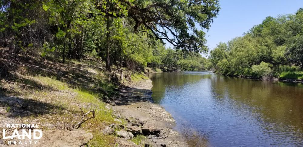 Outdoor Paradise Retreat on Peace River