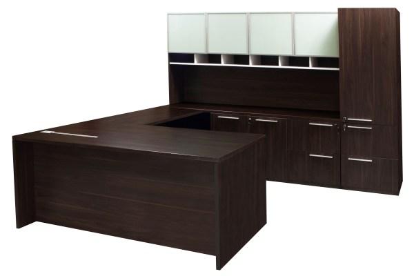 U-shaped Executive Office with Desk