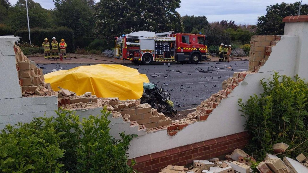 urrbrae-three-vehicles-crashed-on-a-major-road-in-adelaide