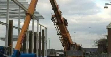 Crane jib collapse