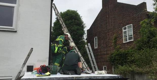 man falls from third floor in eltham london