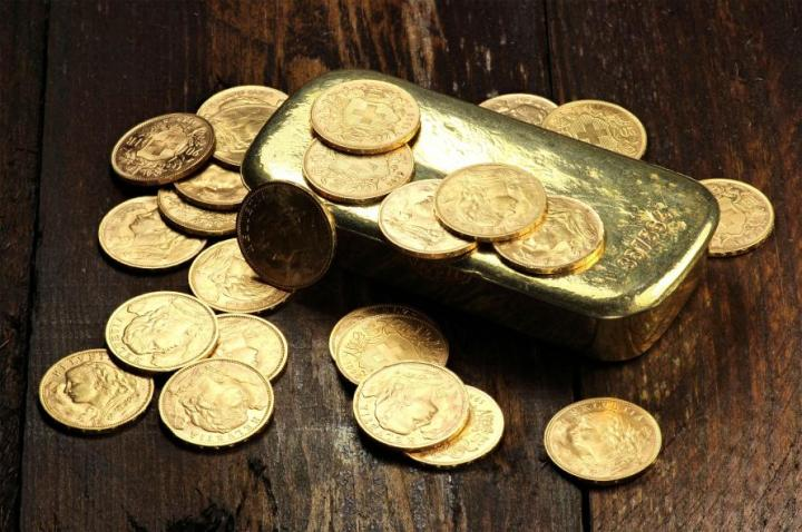 Valuing Gold In A World Awash With Dollars