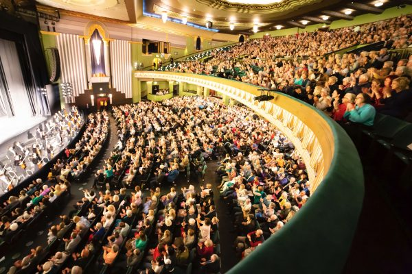 Non-Executive Director Says Shen Yun is 'Exceptional' and 'Very Emotional'