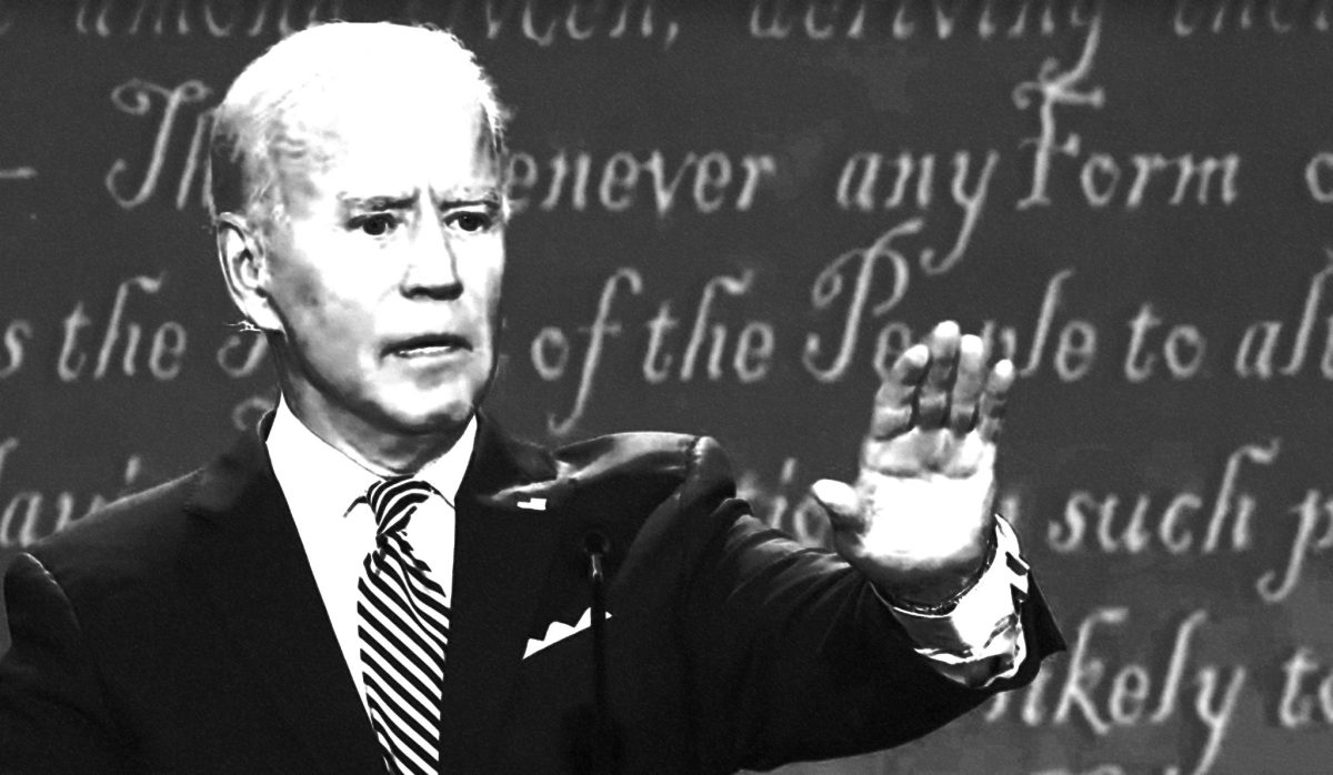 """FACT CHECK: """"It's a rosary that Biden wears that belonged to his son Beau Biden"""""""
