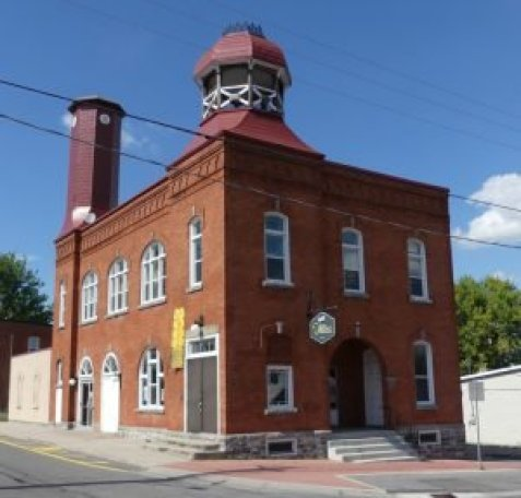 Old_Town_Hall1110192
