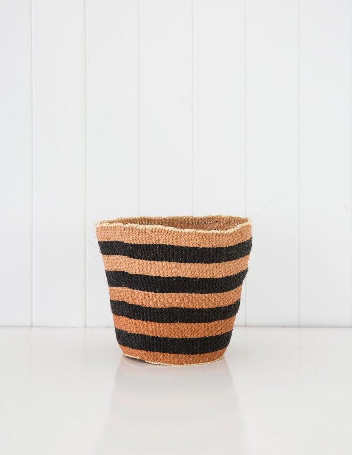 traditional-fine-weave-med-nativeinteriors.com