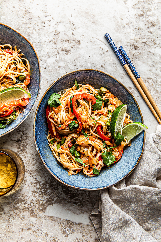 thai coconut curry noodles (vegan + gluten-free) - natteats