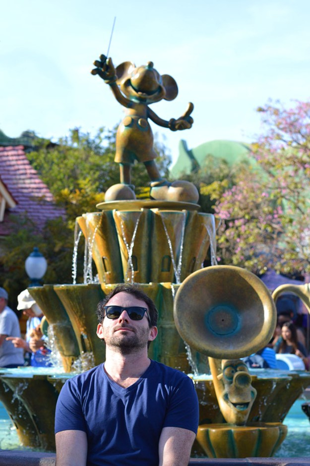 Rob in Toon Town Disneyland // Nattie on the Road