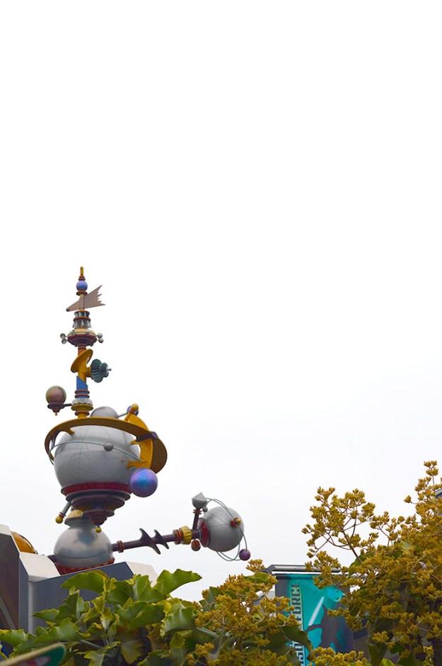 Tomorrow Land Disneyland // Nattie on the Road