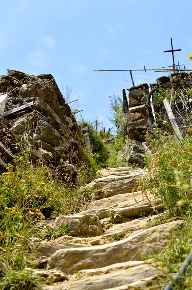 Hiking Cinque Terre - the mountain trails // Nattie on the Road