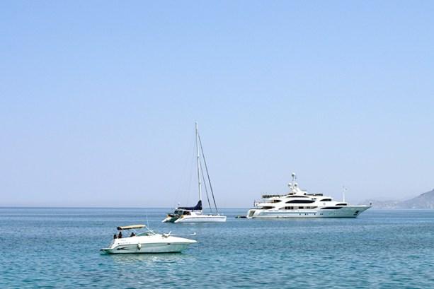 Taking ferries in the Greek Islands // Nattie on the Road